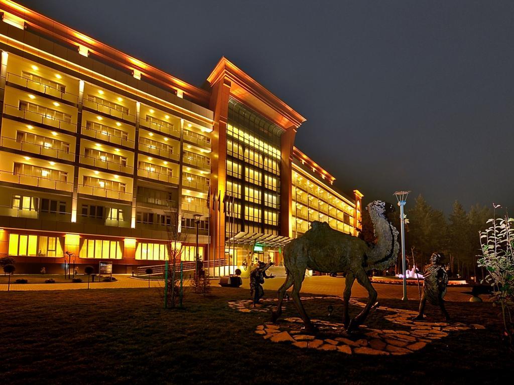 YENI İL Chinar Hotel & Spa Naftalan 5*